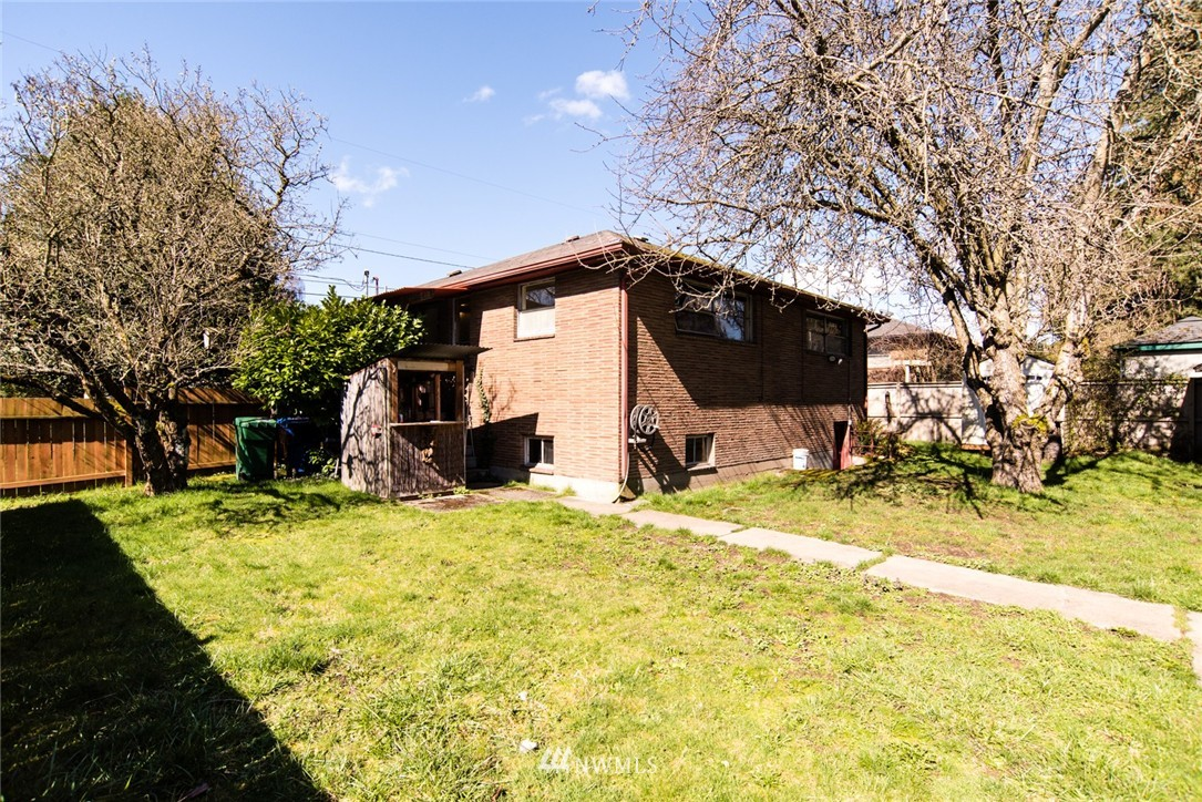 Sold Property | 7002 25th Avenue NE Seattle, WA 98115 1