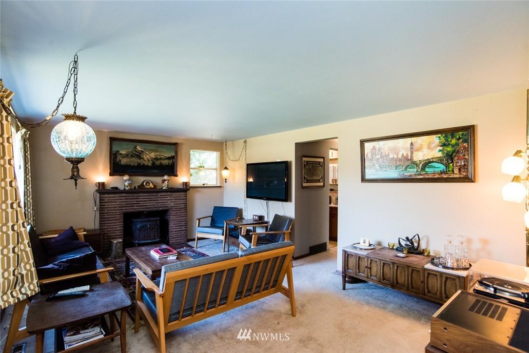 Sold Property | 7002 25th Avenue NE Seattle, WA 98115 2
