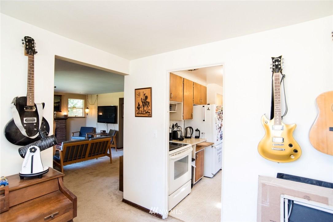 Sold Property | 7002 25th Avenue NE Seattle, WA 98115 6