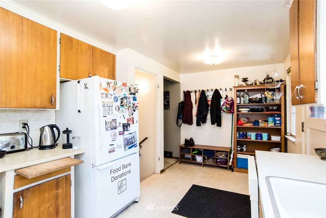 Sold Property | 7002 25th Avenue NE Seattle, WA 98115 8