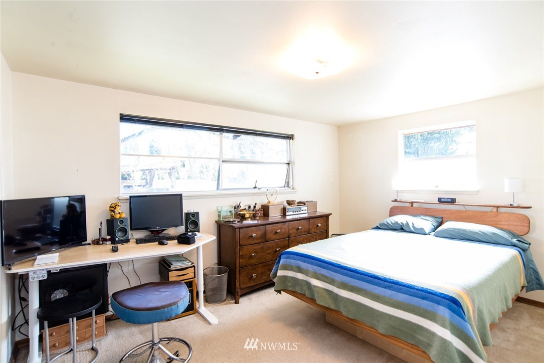 Sold Property | 7002 25th Avenue NE Seattle, WA 98115 10