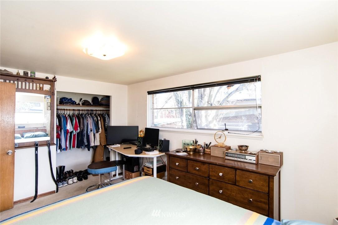 Sold Property | 7002 25th Avenue NE Seattle, WA 98115 11