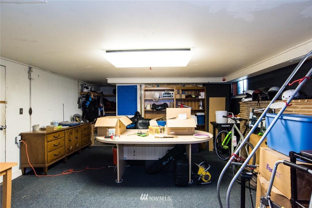 Sold Property | 7002 25th Avenue NE Seattle, WA 98115 16