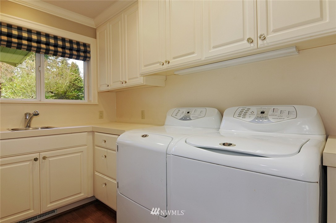 Sold Property | 13521 Sherman Road NW Seattle, WA 98177 9