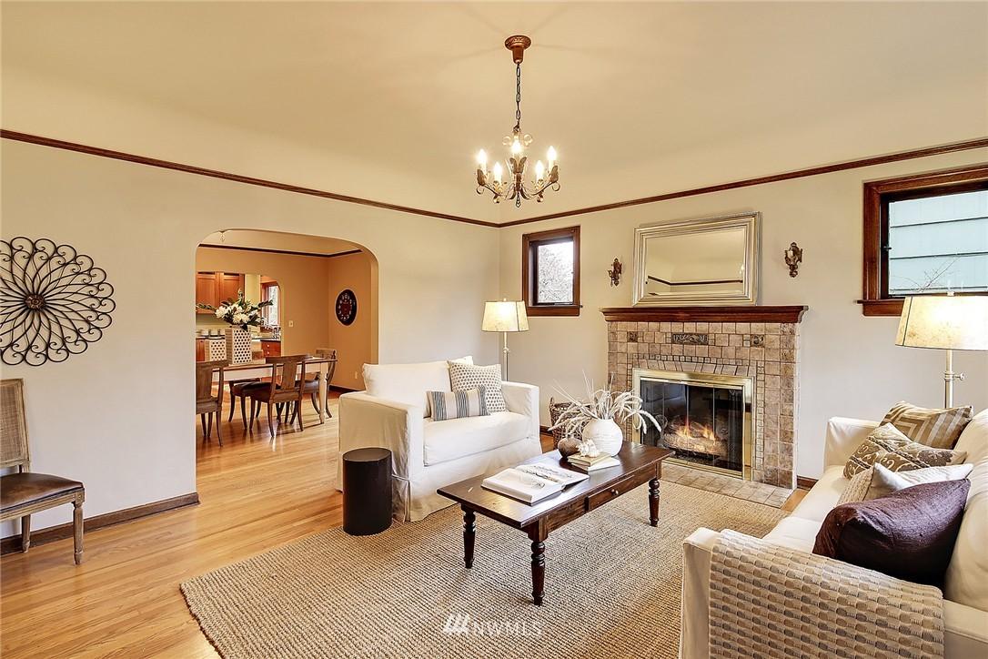 Sold Property | 606 NW 82nd Street Seattle, WA 98117 1