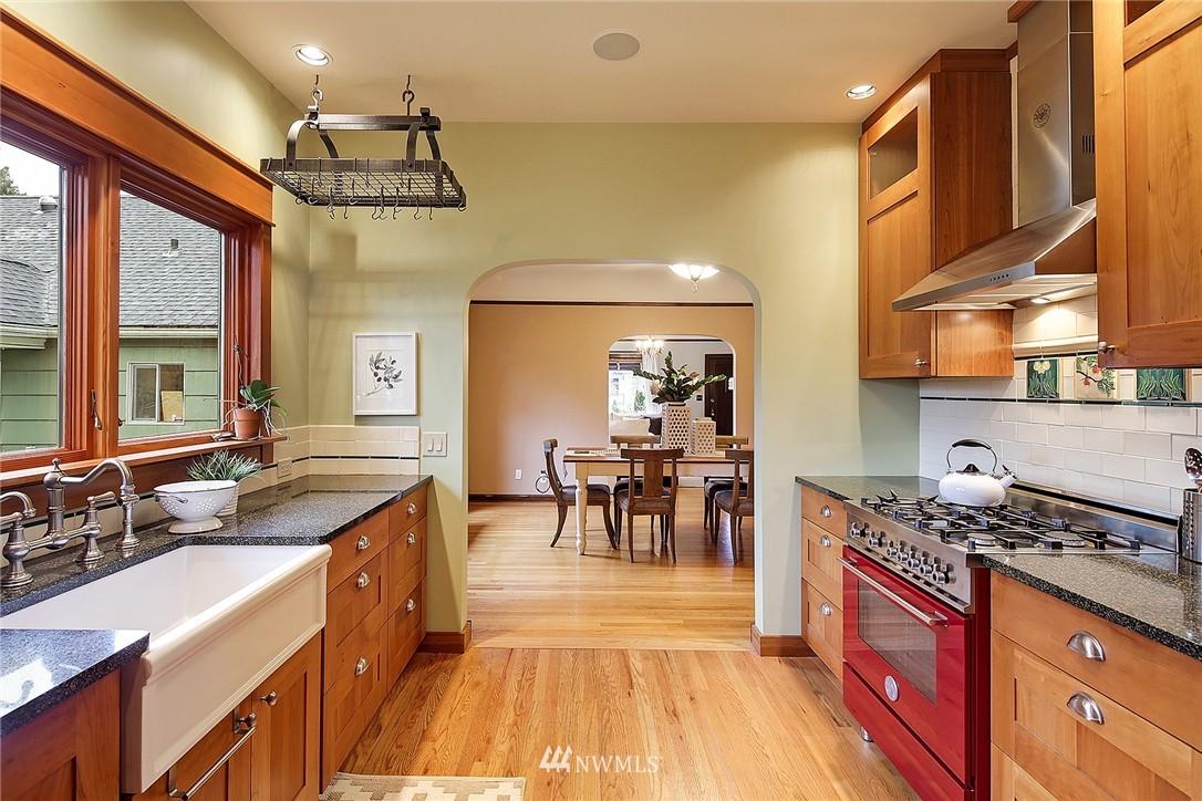 Sold Property | 606 NW 82nd Street Seattle, WA 98117 4