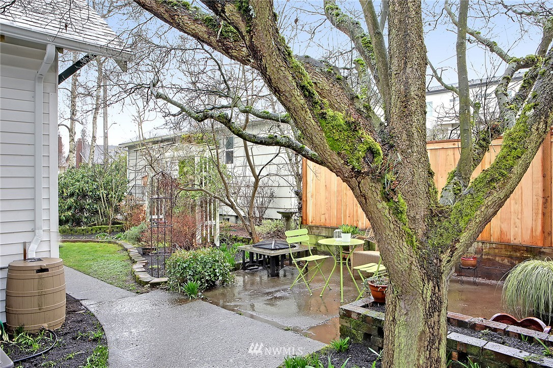 Sold Property | 606 NW 82nd Street Seattle, WA 98117 17