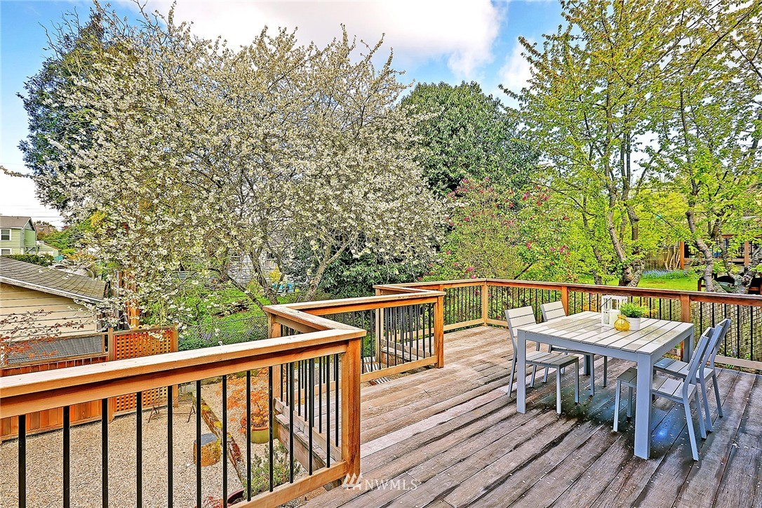 Sold Property | 7017 12th Avenue NW Seattle, WA 98117 19