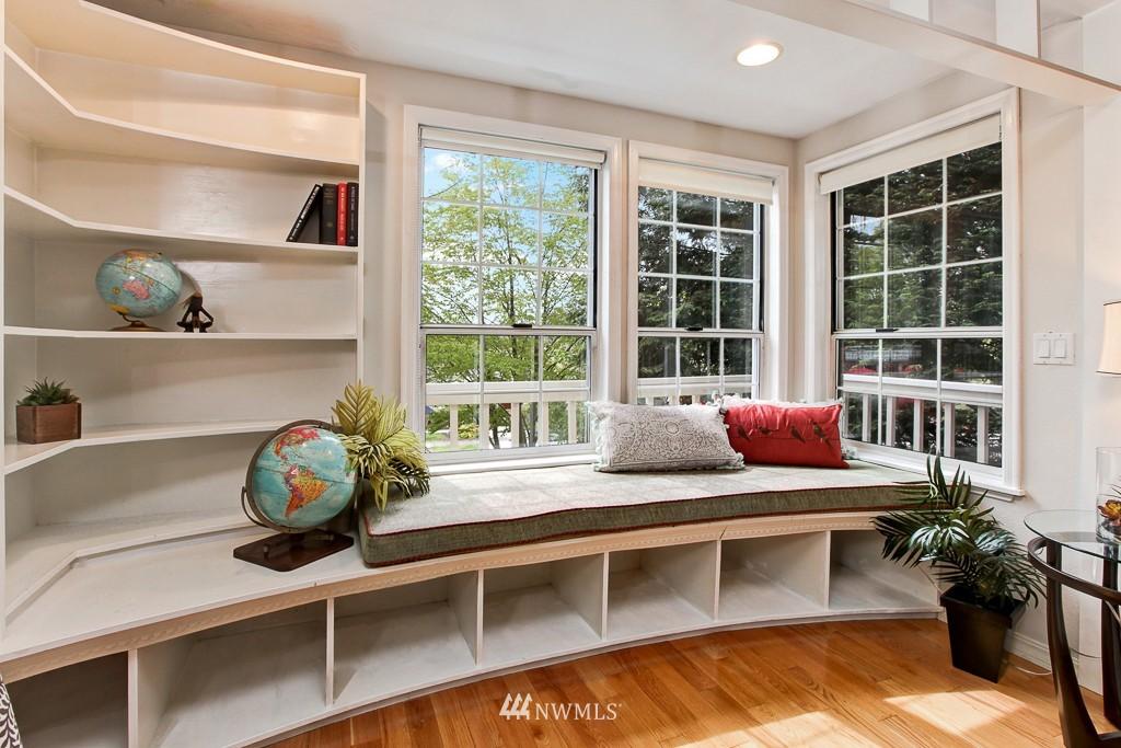 Sold Property | 1218 N Allen Place Seattle, WA 98103 2