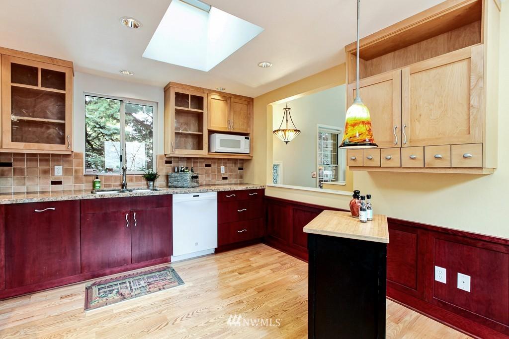 Sold Property | 1218 N Allen Place Seattle, WA 98103 5