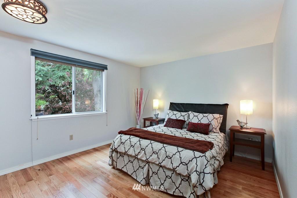 Sold Property | 1218 N Allen Place Seattle, WA 98103 7