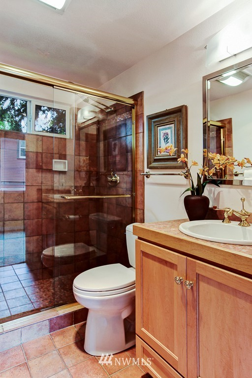 Sold Property | 1218 N Allen Place Seattle, WA 98103 12