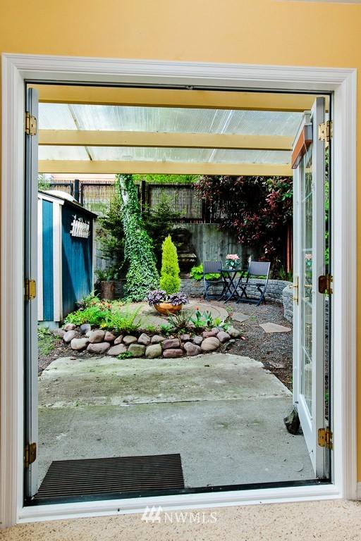 Sold Property | 1218 N Allen Place Seattle, WA 98103 15