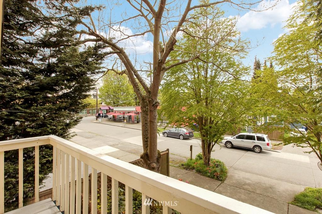 Sold Property | 1218 N Allen Place Seattle, WA 98103 3