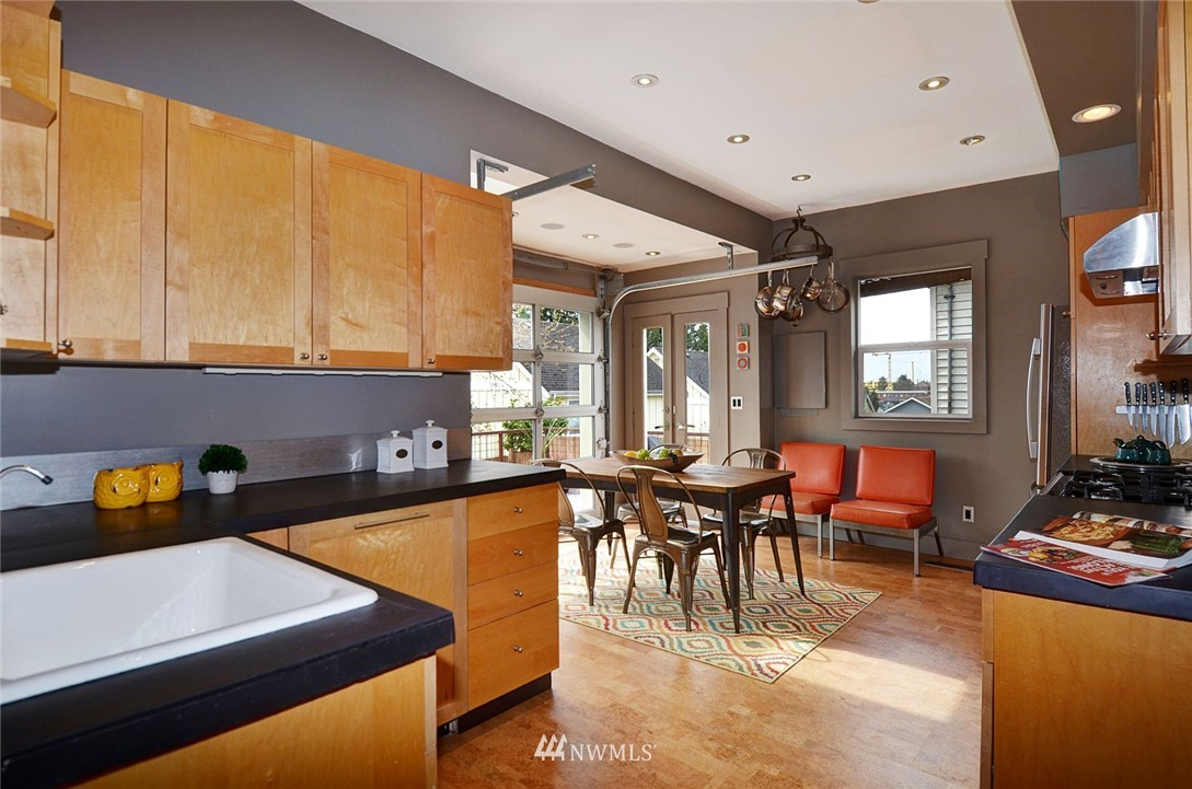 Sold Property   1523 E Alder Street Seattle, WA 98122 7