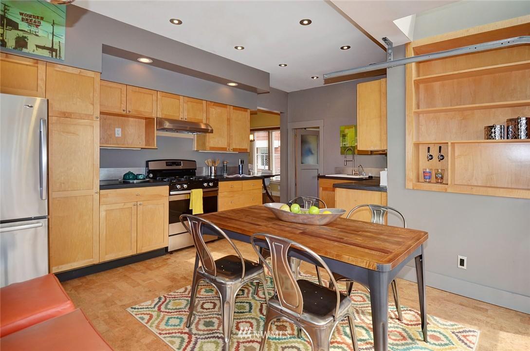 Sold Property   1523 E Alder Street Seattle, WA 98122 8