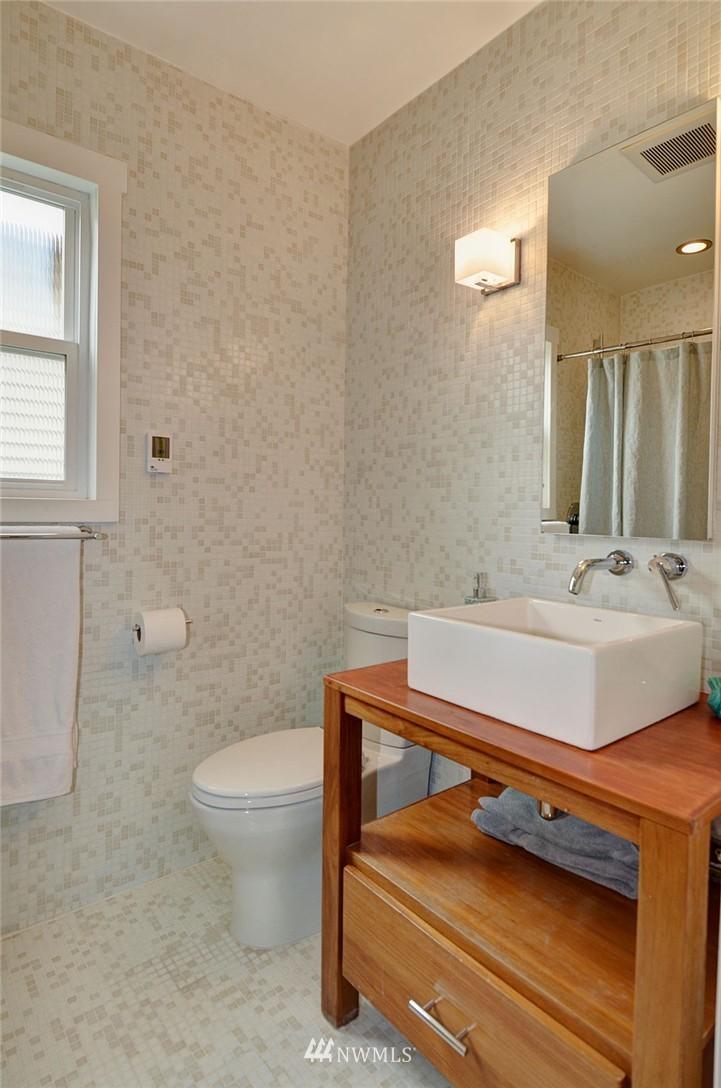Sold Property   1523 E Alder Street Seattle, WA 98122 16