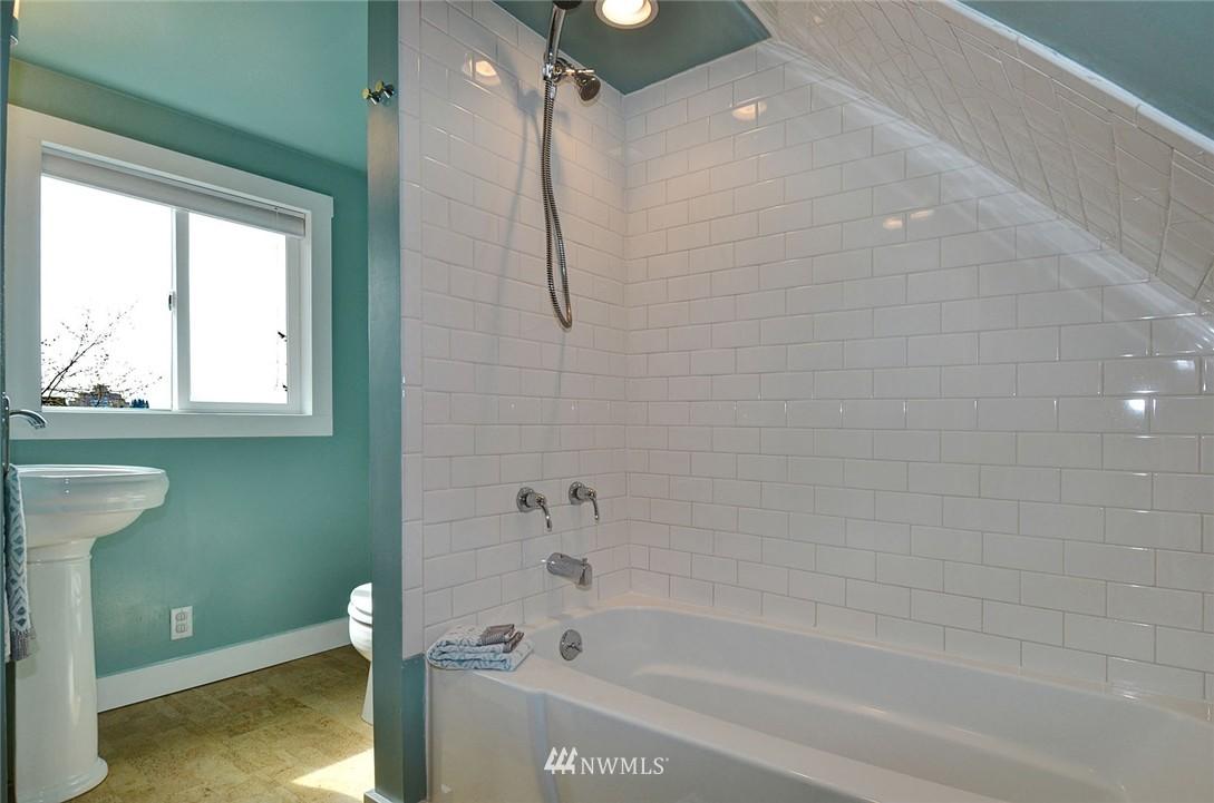 Sold Property   1523 E Alder Street Seattle, WA 98122 22