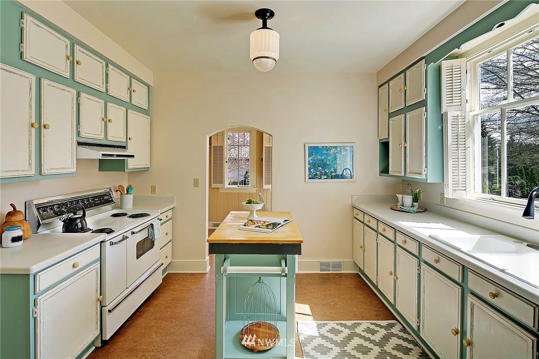 Sold Property | 8505 220th Place SW Edmonds, WA 98026 6