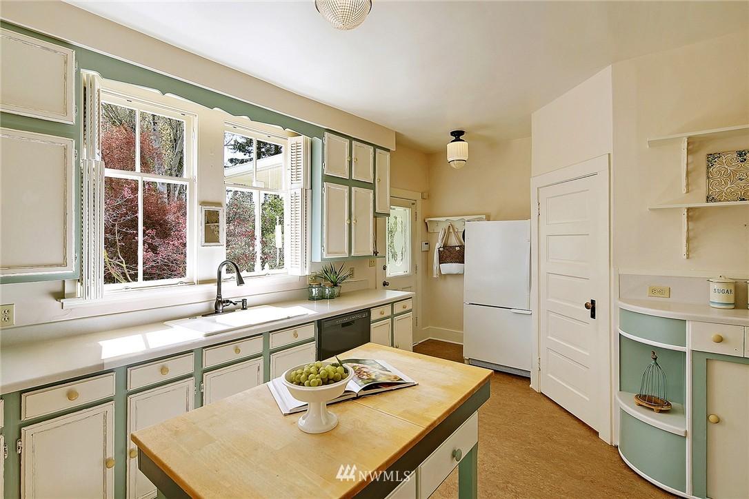 Sold Property | 8505 220th Place SW Edmonds, WA 98026 7