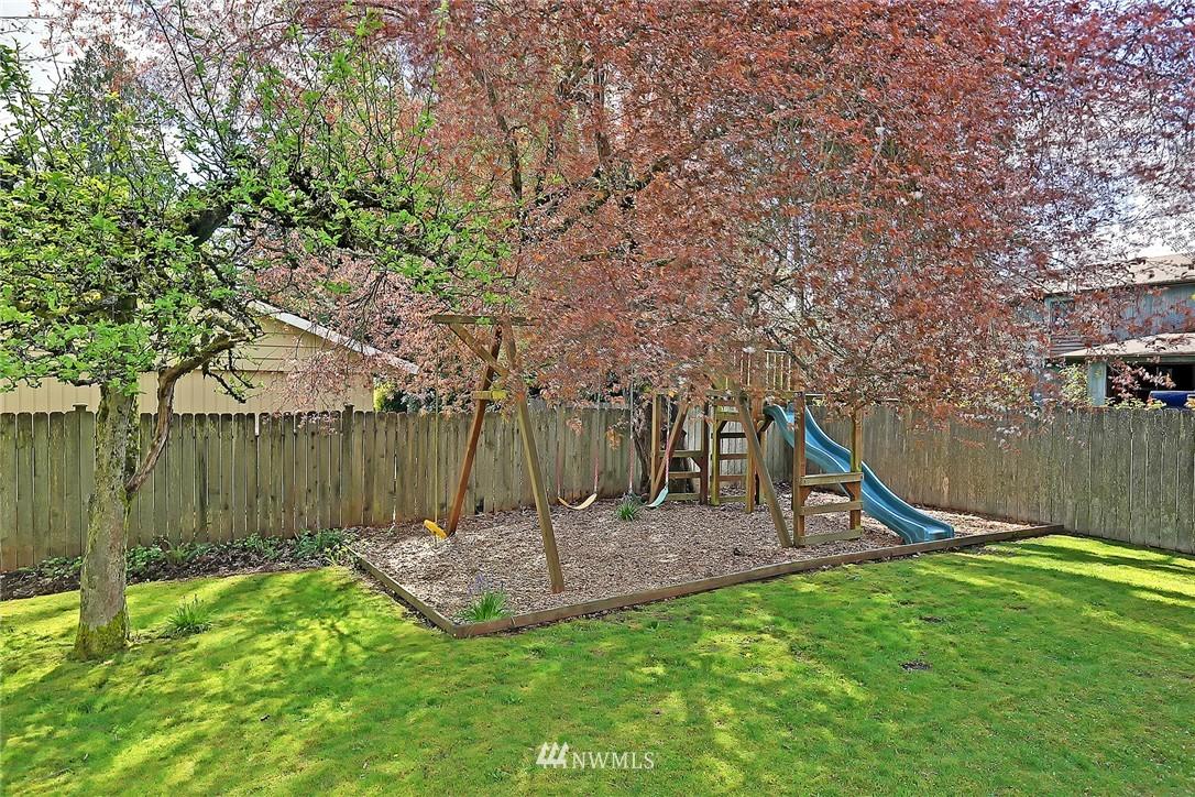 Sold Property | 8505 220th Place SW Edmonds, WA 98026 21