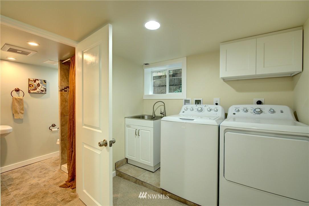 Sold Property | 5911 8th Avenue NE Seattle, WA 98105 20