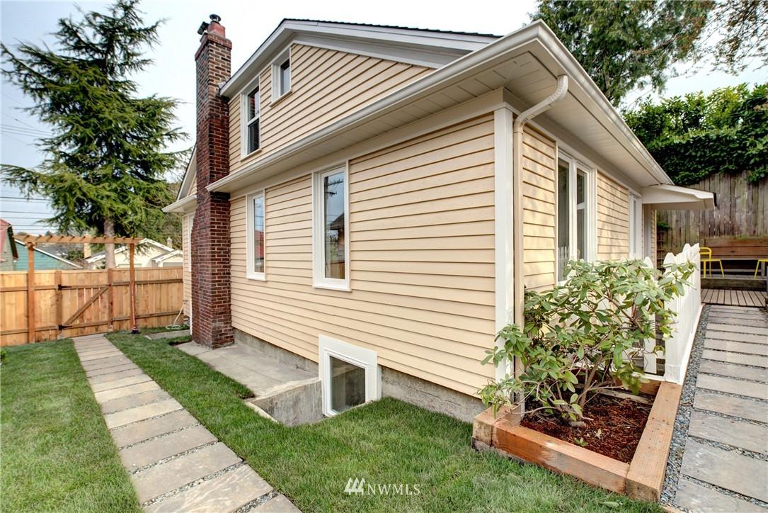 Sold Property | 5911 8th Avenue NE Seattle, WA 98105 21