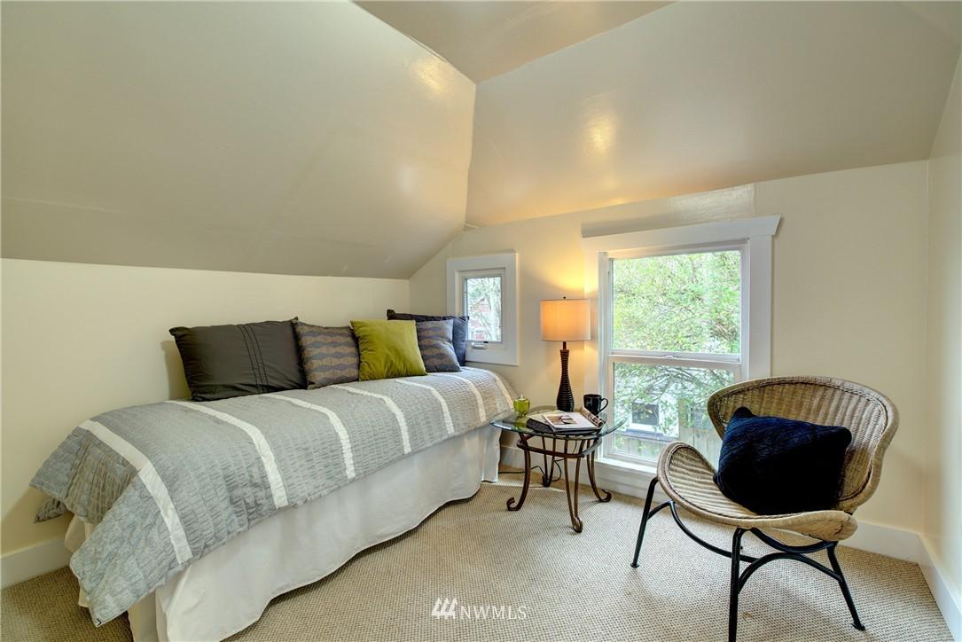 Sold Property | 5911 8th Avenue NE Seattle, WA 98105 15