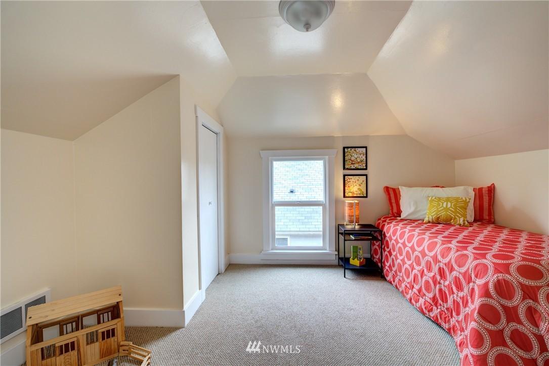 Sold Property | 5911 8th Avenue NE Seattle, WA 98105 16