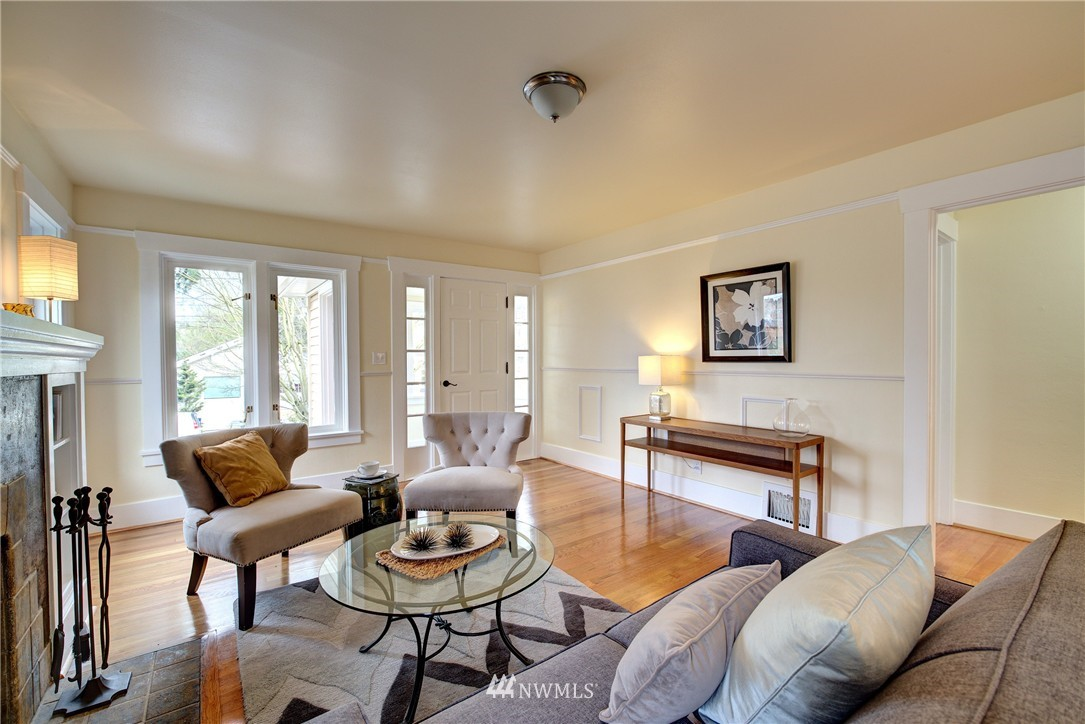 Sold Property | 5911 8th Avenue NE Seattle, WA 98105 6
