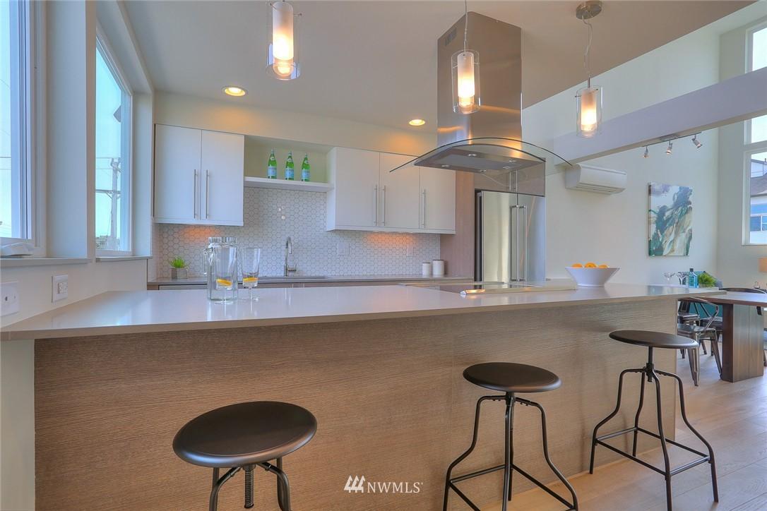 Sold Property   1917 E Denny Way Seattle, WA 98122 8