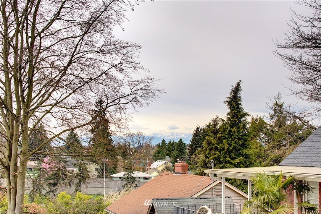 Sold Property | 9019 2nd Avenue NE Seattle, WA 98115 1