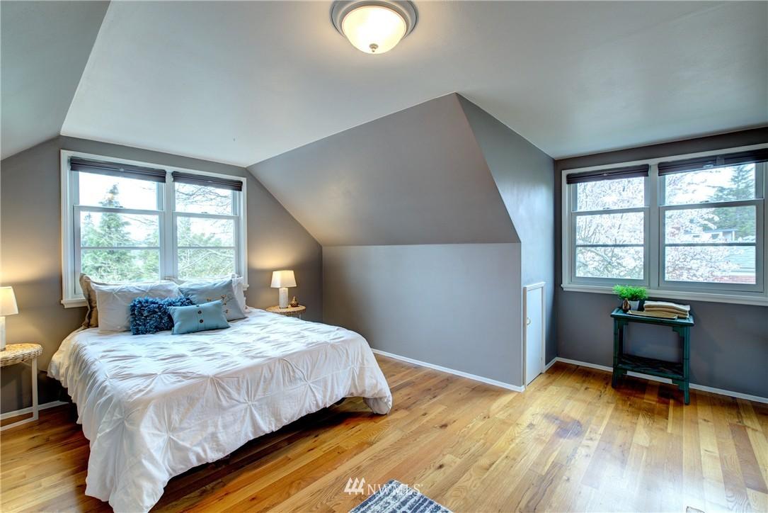 Sold Property | 9019 2nd Avenue NE Seattle, WA 98115 11