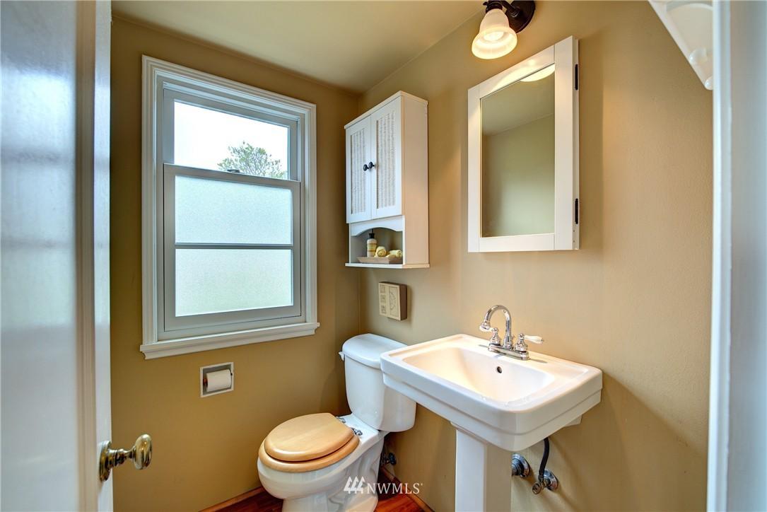 Sold Property | 9019 2nd Avenue NE Seattle, WA 98115 12