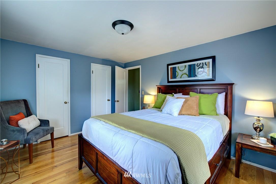 Sold Property | 9019 2nd Avenue NE Seattle, WA 98115 7