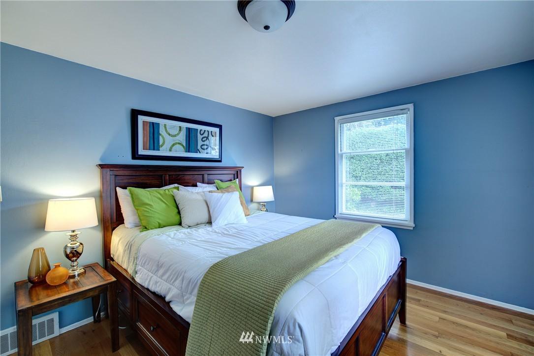 Sold Property | 9019 2nd Avenue NE Seattle, WA 98115 8