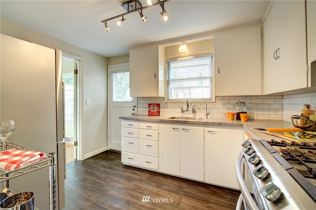 Sold Property | 9019 2nd Avenue NE Seattle, WA 98115 6