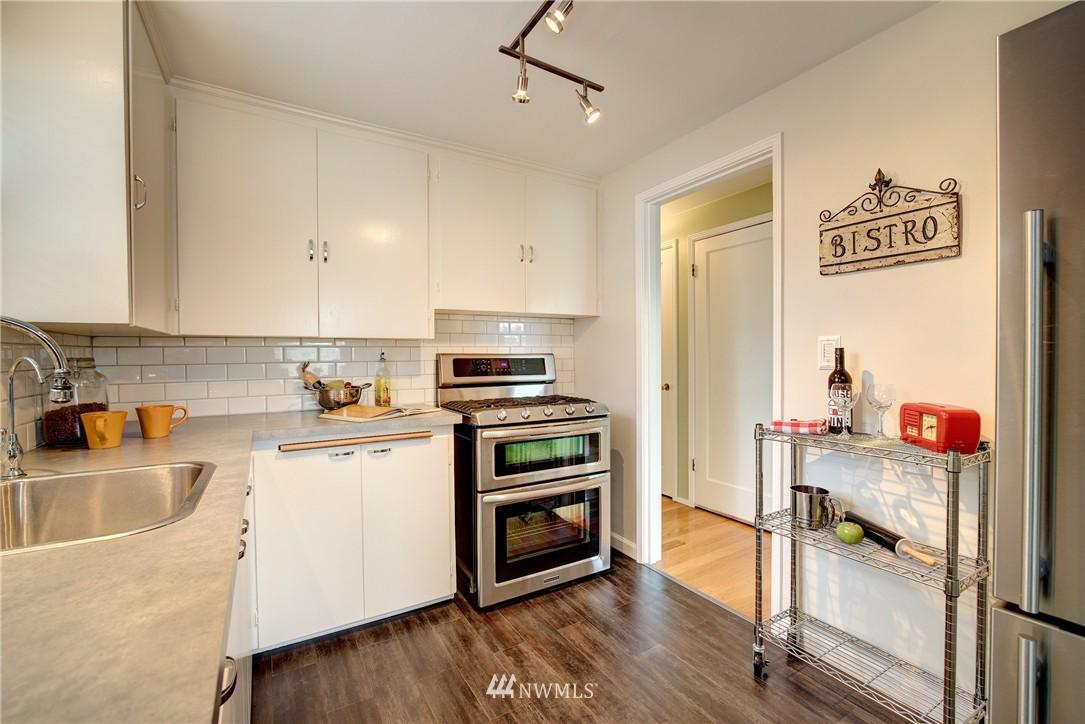 Sold Property | 9019 2nd Avenue NE Seattle, WA 98115 5