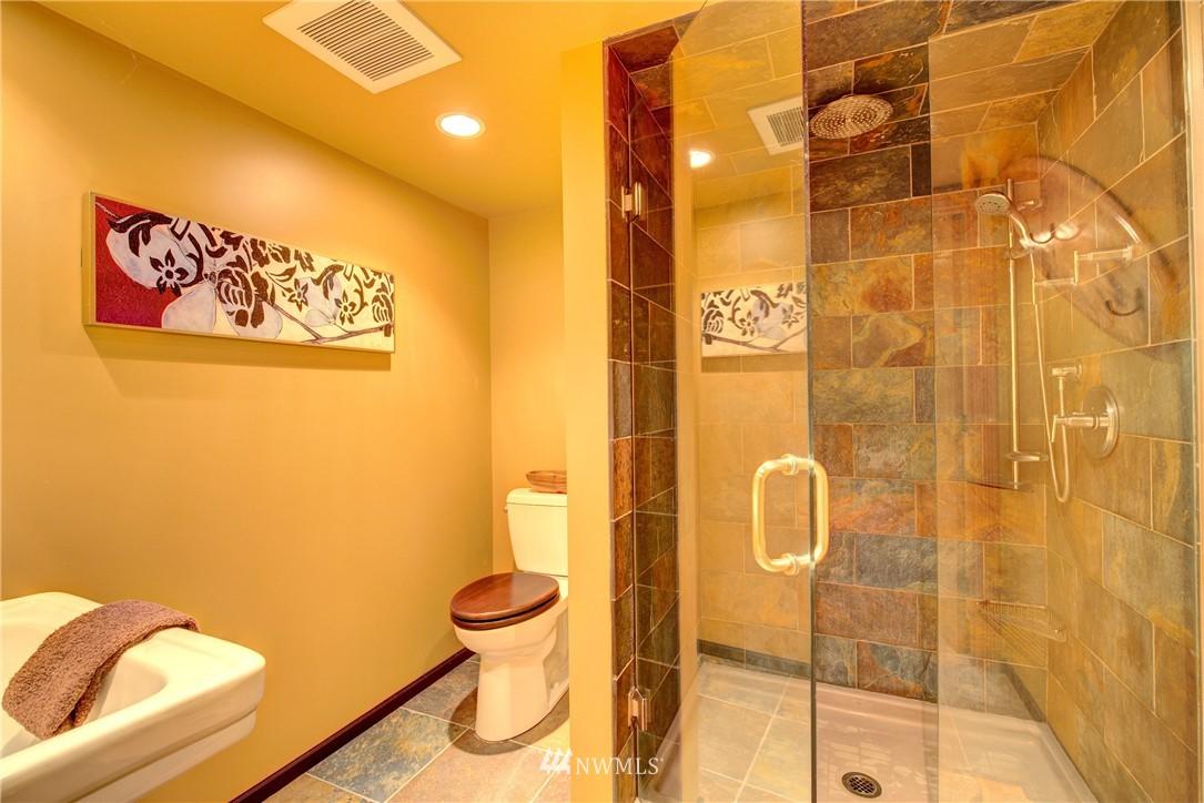 Sold Property | 9019 2nd Avenue NE Seattle, WA 98115 15