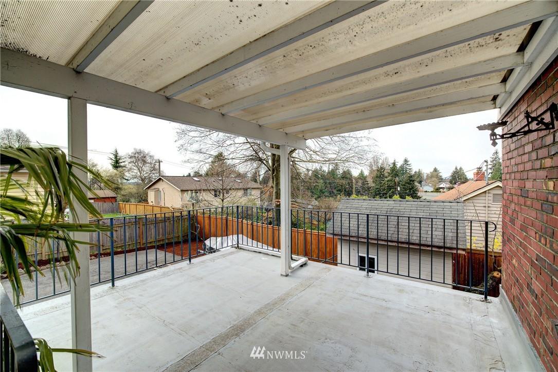 Sold Property | 9019 2nd Avenue NE Seattle, WA 98115 16