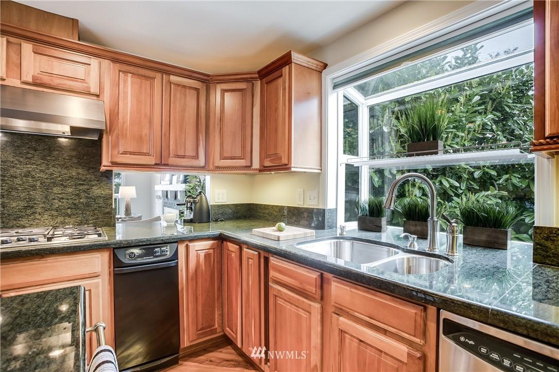 Sold Property   13916 94th Avenue NE Kirkland, WA 98034 7