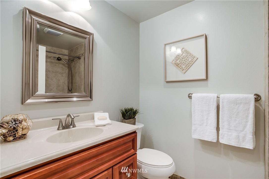 Sold Property   13916 94th Avenue NE Kirkland, WA 98034 8