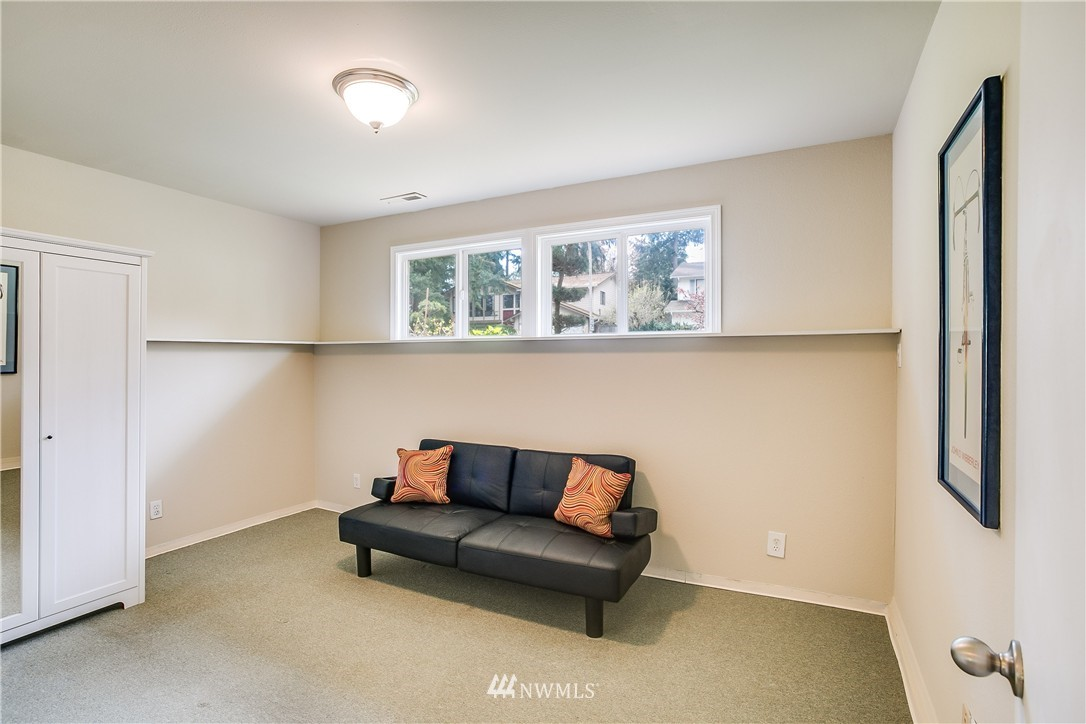 Sold Property   13916 94th Avenue NE Kirkland, WA 98034 12