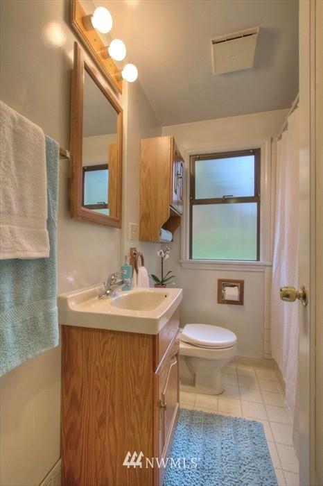 Sold Property   3612 32nd Avenue W Seattle, WA 98199 5