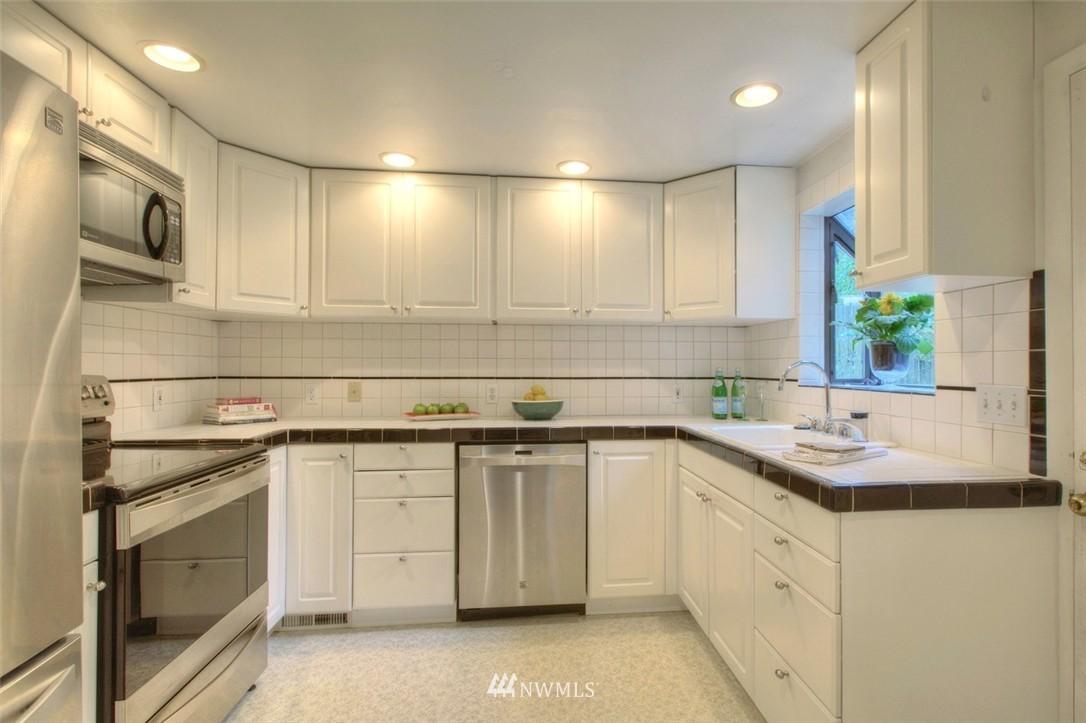 Sold Property   3612 32nd Avenue W Seattle, WA 98199 8