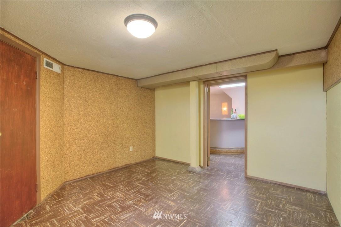 Sold Property   3612 32nd Avenue W Seattle, WA 98199 13