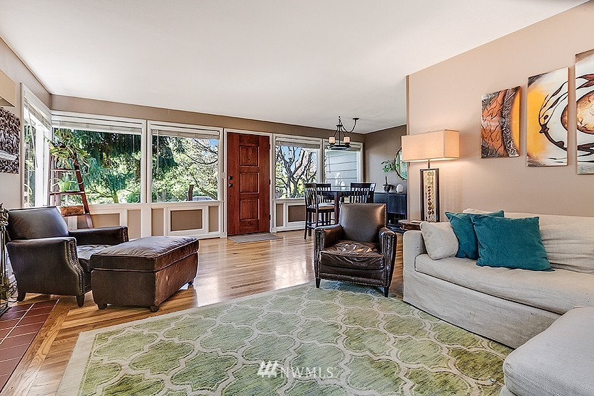 Sold Property | 8202 40th Avenue NE Seattle, WA 98115 2