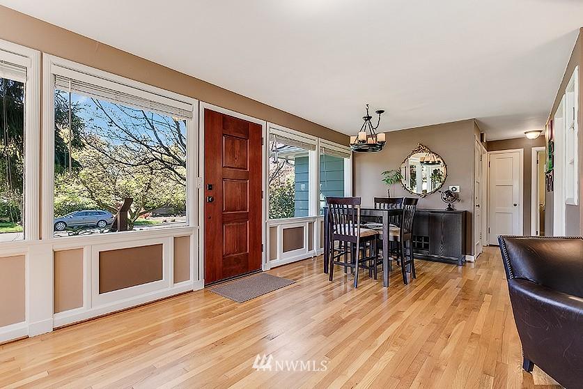 Sold Property | 8202 40th Avenue NE Seattle, WA 98115 4