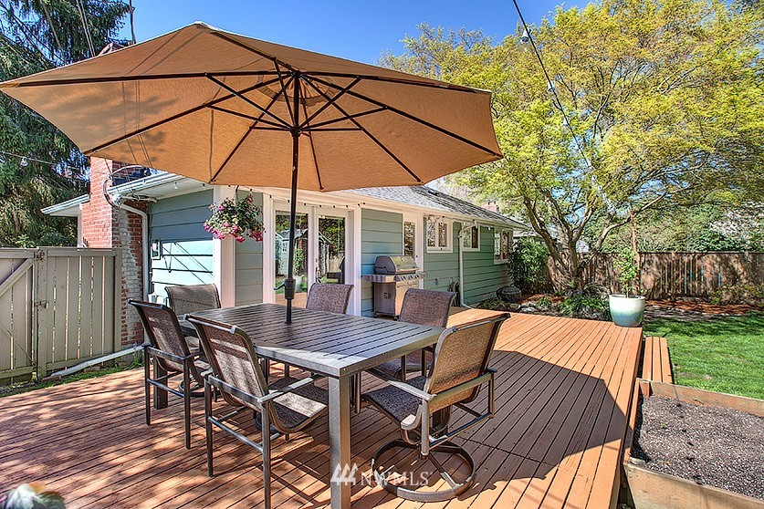 Sold Property | 8202 40th Avenue NE Seattle, WA 98115 19