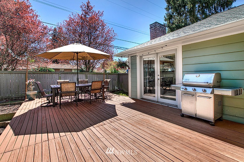 Sold Property | 8202 40th Avenue NE Seattle, WA 98115 20